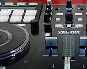VESTAX VCI-380 - DJ CONTROLLER 2 DECK CON PAD