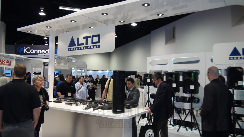 Click to enlarge image a-alto-professional-namm-2015.jpg