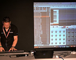 Seminario Akai MPC Renaissance - A New  Way To Make Music by AKAI PROFESSIONAL PRODUCT SPECIALIST ANDY MAC