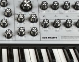 MOOG MUSIC SUB PHATTY SYNTH ANALOGICO MONOFONICO