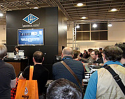 universal-audio-musikmesse-2013-demo-apollo-16-190