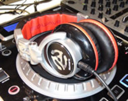 NUMARK RED WAVE: CUFFIA PROFESSIONALE PER DJ & PRODUCER