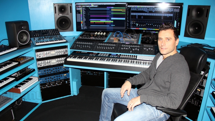 OSCAR BRUSAFERRI AKA OSCAR PESSO DJ E PRODUCER ALL'ALAR's RECORDING STUDIO