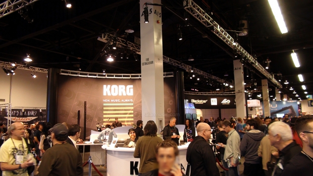 STAND KORG AL WINTER NAMM 2014