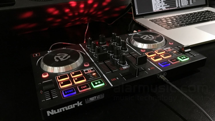 NUMARK PARTY MIX DJ CONSOLE ENTRY LEVEL PER DJ CON EFFETTI LUCE LED RGB