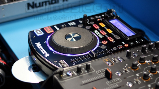 Numark NDX500 lettore CD audio, MP3 e MIDI controller con interfaccia audio USB